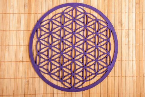 """,,Květ života"""" 28 cm - lila na zeď ze dřeva (Průměr 28 cm)"""